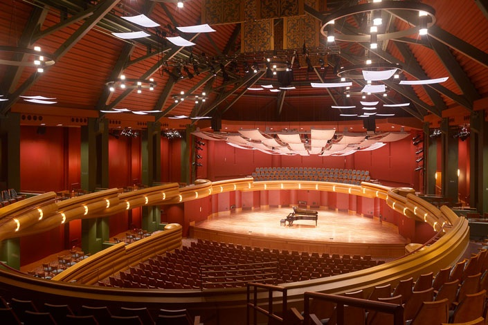 The University Of Notre Dames DeBartolo Performing Arts Center Opened In September 2004 And Offers Dance Music Theater Productions To Nearly
