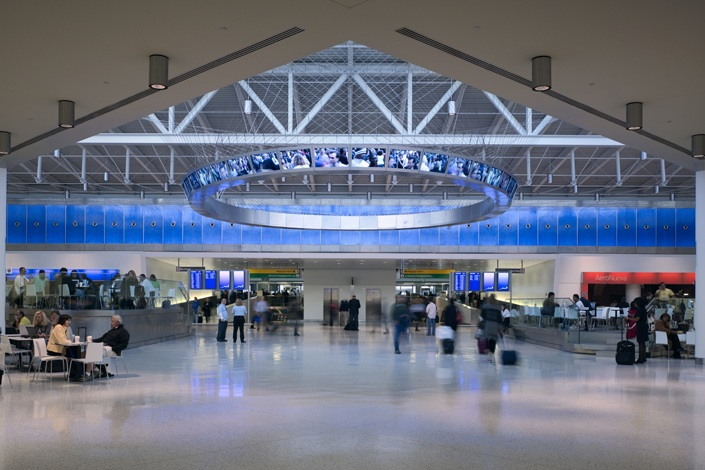 Jetblue terminal 5 and restored historic twa terminal at for Hotel at jfk airport terminal